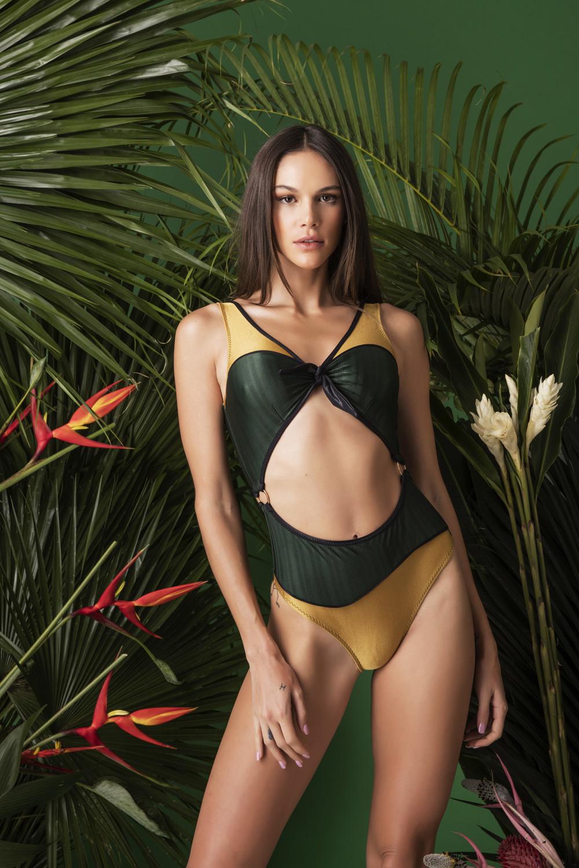 Maio Naomi Gold
