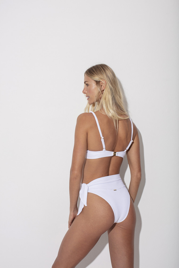 Calcinha Hot Pants Agatha White
